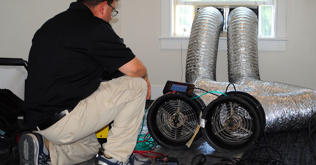 HERS® rater performing duct test